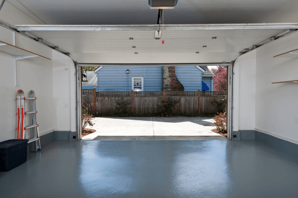 Garage floor paint vs. epoxy